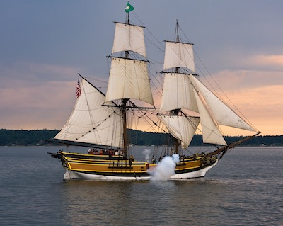 Lady Washington fires