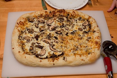Steak and mushroom pizza
